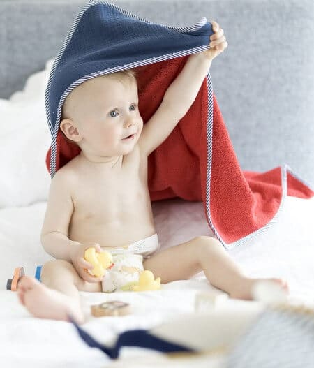 Sortie de bain bébé personnalisée made in France avec bébé - cocorico