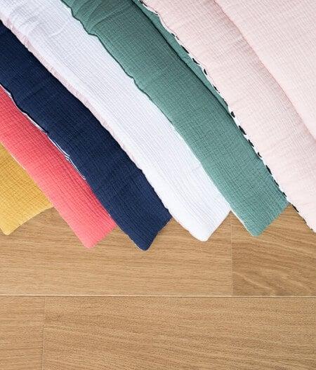 tapis de jeu bébé personnalisé made in france - la collection - fleurs bleues