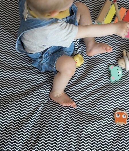 tapis de jeu bébé personnalisé made in france avec bébé - colonel moutarde