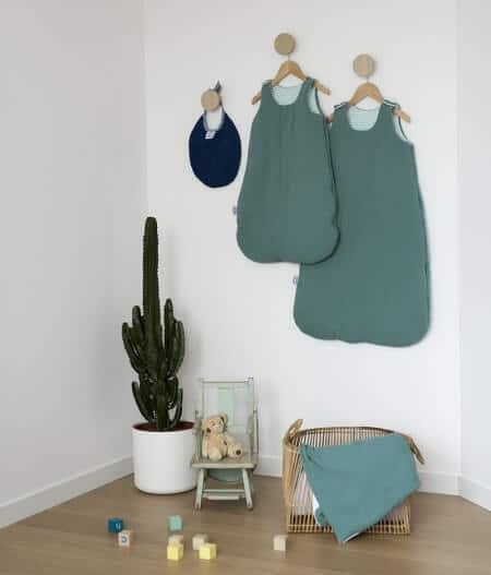 couverture plaid bébé made in france avec gigoteuse - fleurs bleues