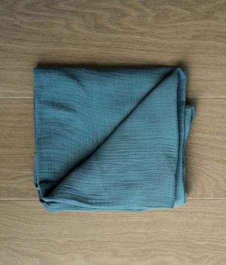 drap-housse-bébé-fabrication-francaise-fleurs-bleues
