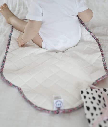 tapis à langer bébé nomade made in france bébé dos - barrière de corail