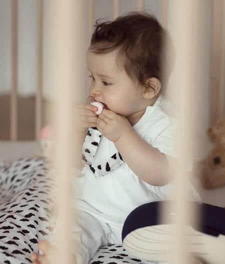 attache tétine personnalisée avec bébé - dans les nuages