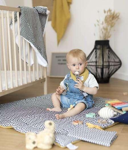 attache tétine personnalisée avec bébé - colonel moutarde