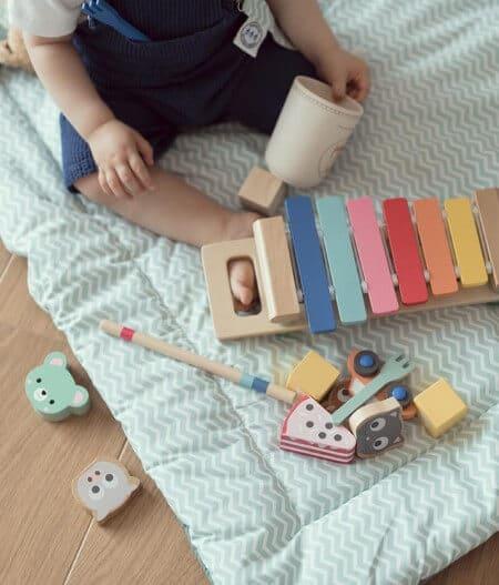 protège carnet de santé bébé personnalisé made in France avec tapis - fleurs bleues