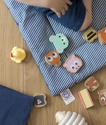 protège carnet de santé bébé personnalisé made in France avec tapis - cocorico