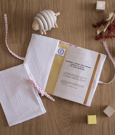 protège carnet de santé bébé personnalisé made in France plat - jusqu'aux étoiles
