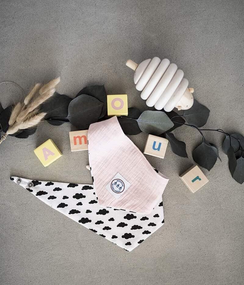 Bavoir bandana bébé personnalisé - dans les nuages
